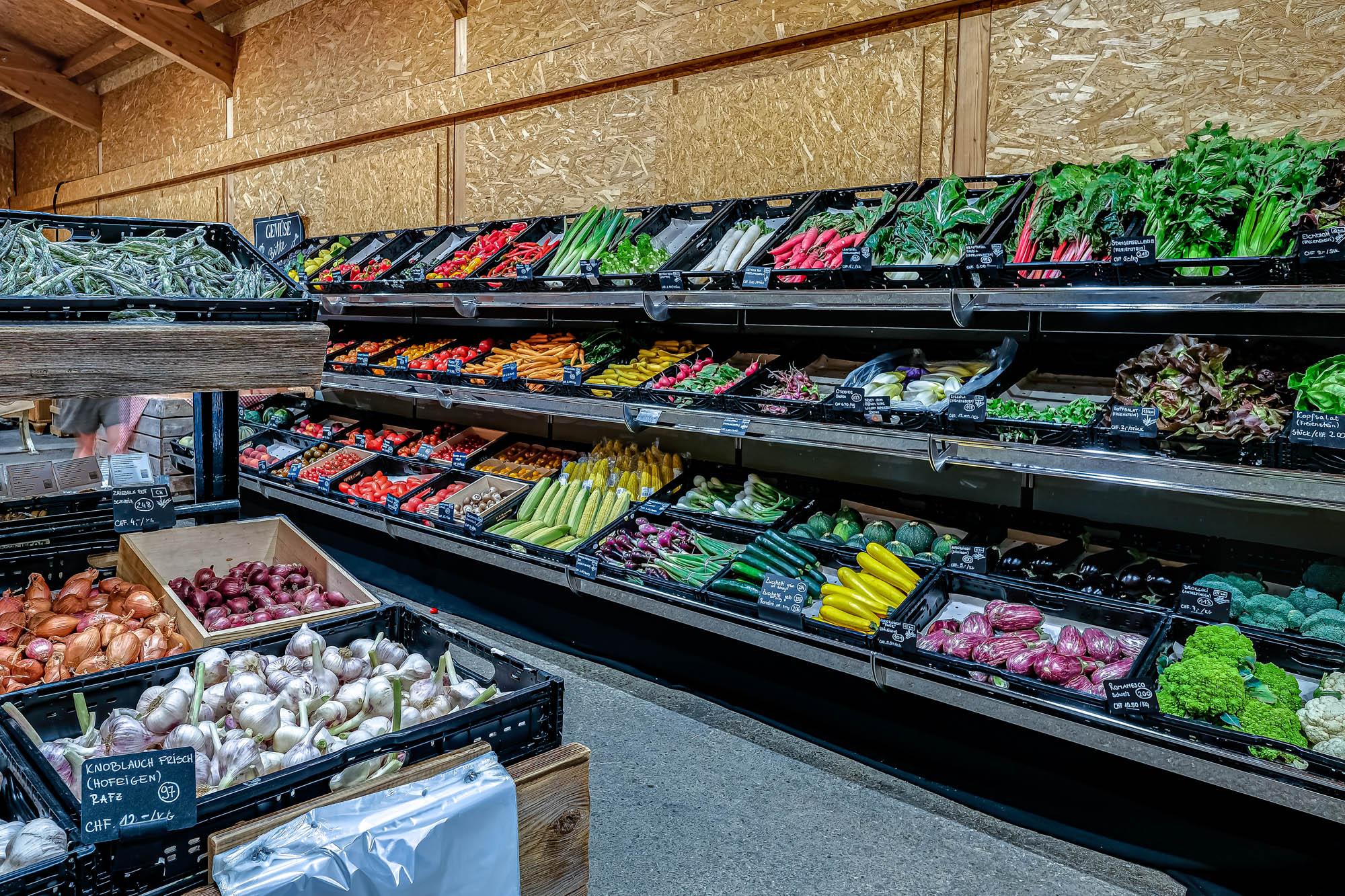 Большой выбор местных овощей © Jucker Farm